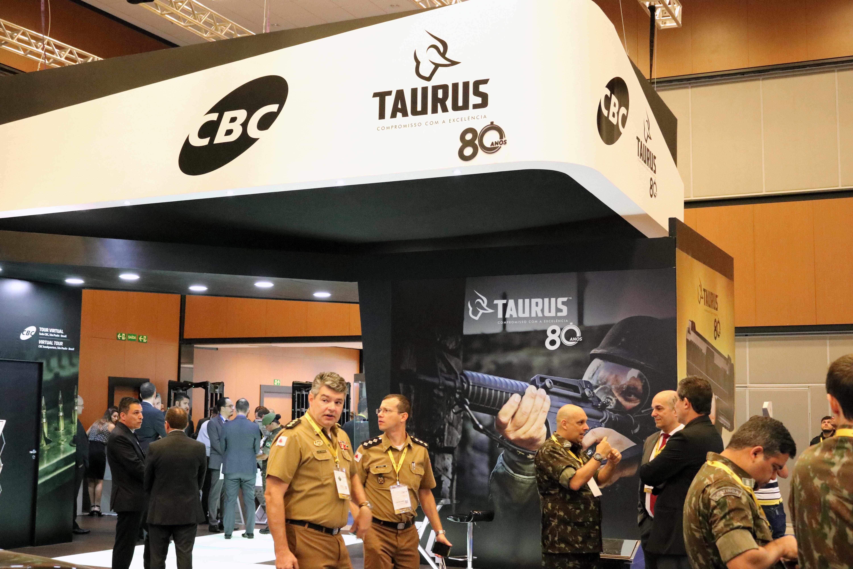 CBC e Taurus participam da CSTM (Conferência de Simulação e Tecnologia Militar).