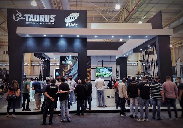 Estande das marcas TAURUS e CBC é um sucesso no World Combat Conference